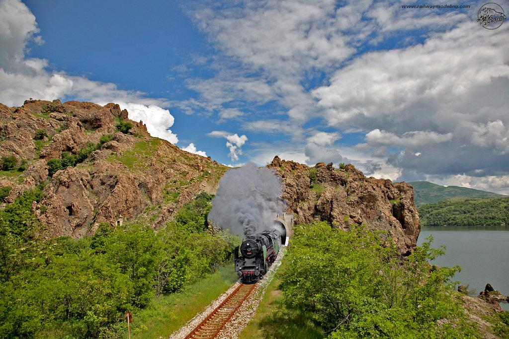 Атракционен влак в Източни Родопи