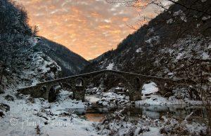 През зимата Дяволският мост е още по-красив! Източник: https://www.facebook.com/photography.uzunov/