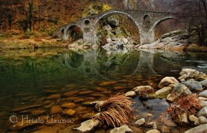 Атмосферата на Дяволския мост е мистична през всички сезони! Източник: https://www.facebook.com/photography.uzunov/
