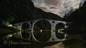 Дяволският мост през нощта. Източник: https://www.facebook.com/photography.uzunov/