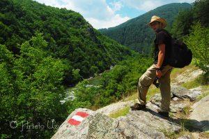 Ако минете по екопътеката през село Гълъбово, ще се насладите на приказни гледки! Източник: https://www.facebook.com/photography.uzunov/