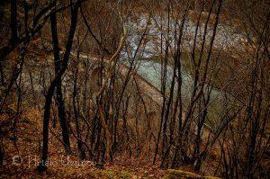 Силуетът на Дяволския мост е внушителен, дори когато се вижда в далечината! Източник: https://www.facebook.com/photography.uzunov/